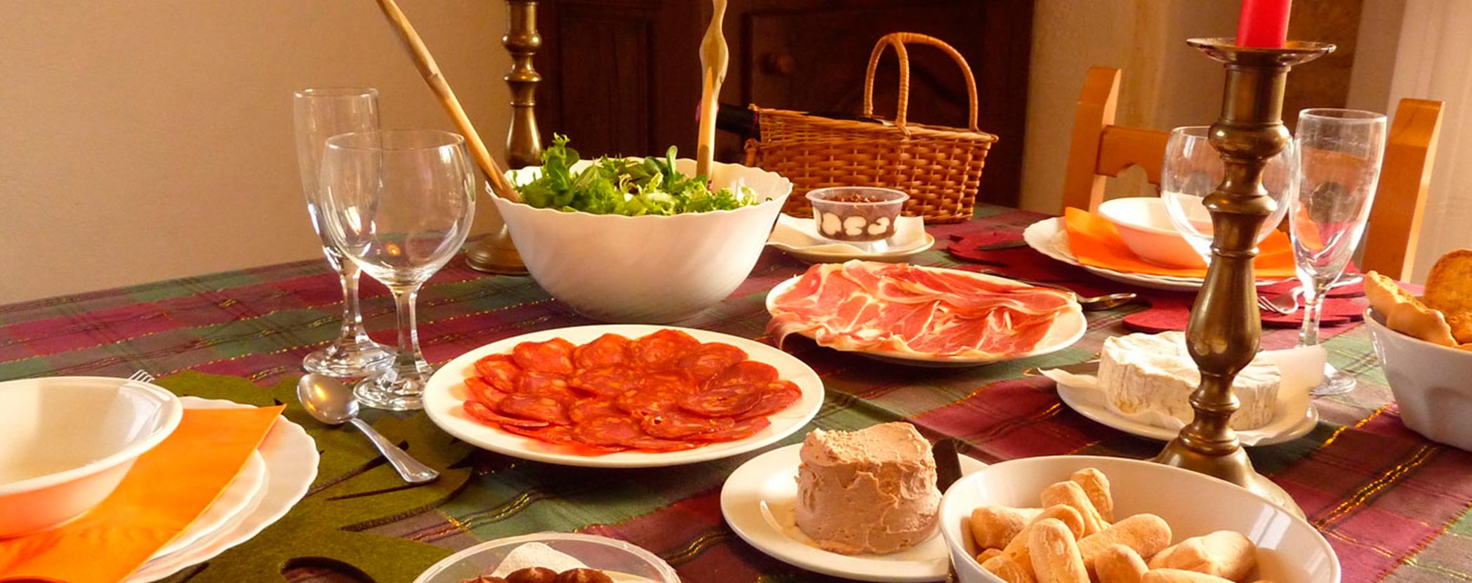 Cena romntica en casa simple cmo decorar la casa para una for Cenas romanticas en casa para dos